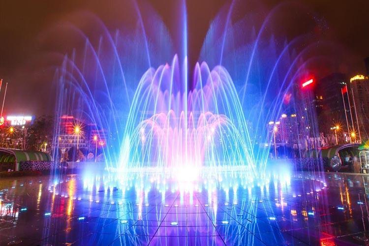 矩阵千赢国际官网就是按照预先编辑的程序变换喷水造型和灯光色彩强弱变化的千赢国际官网