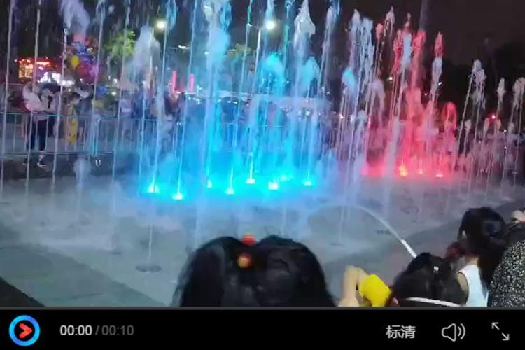 邹城市城前体育广场矩阵式旱喷